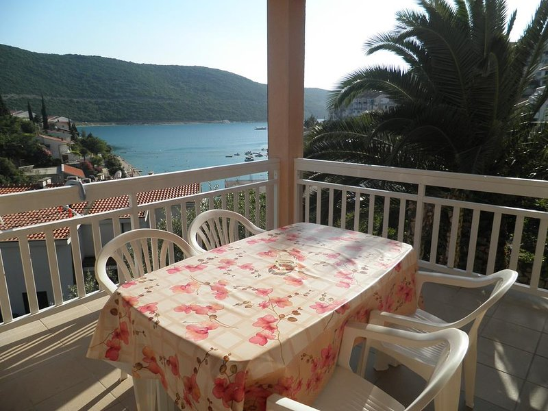 Apartments D&M - Apartment with Balcony, vacation rental in Neum