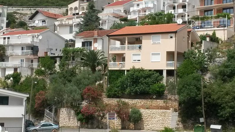 Apartments D&M - Apartment with Sea View, vacation rental in Neum