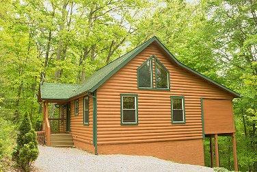 Bluebird Cabin at Hummingbird Hill (Hocking Hills area), holiday rental in Lancaster