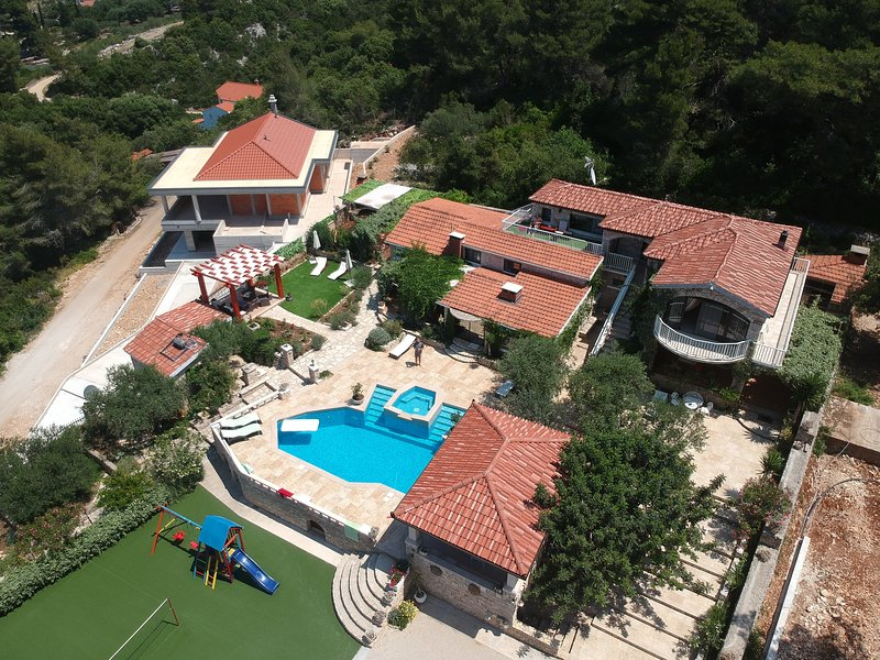 Stone house-Villa Poplat / little paradise, holiday rental in Vela Luka