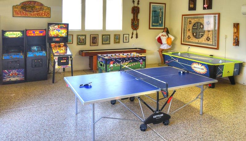 Galaga, Ms Pacman, air hockey torneo, ping pong, tejo, billar o futbolín, alguien?