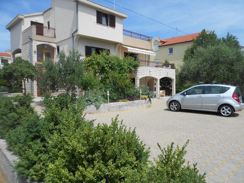 Ferienwohnung 3420-2 für 4 Pers. in Vodice, vacation rental in Prvic Sepurine
