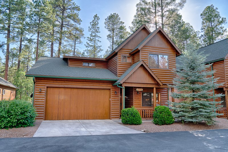 Beautiful 'Cabin' in Pinetop Crossings!