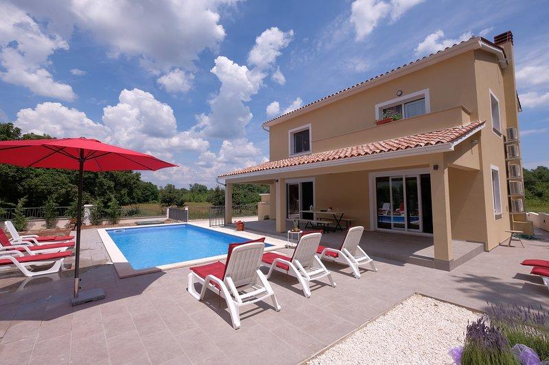 Villa Boscari **** relaxing villa near the woods, location de vacances à Stokovci