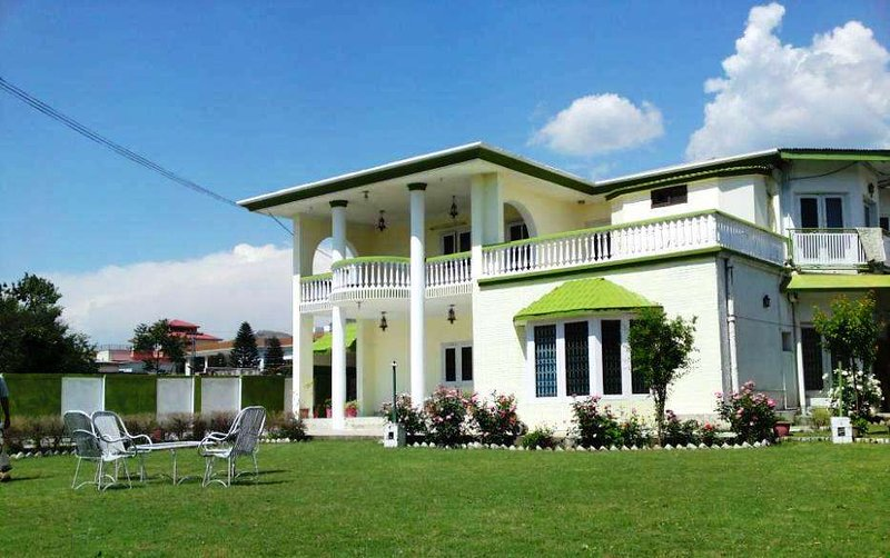 Exclusive House Abbottabad, holiday rental in Khyber Pakhtunkhwa Province
