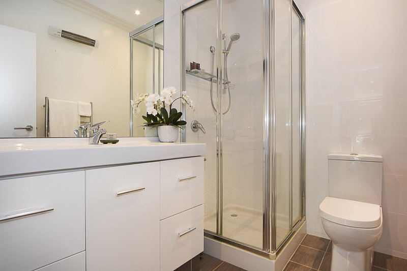 Bathroom, all linen and toiletries supplied