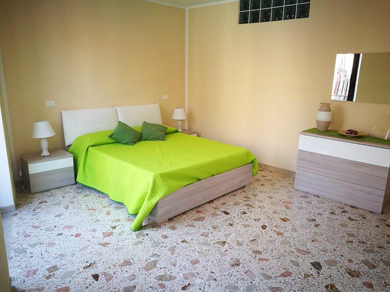 SI VIAGGIARE HOME - SMERALDO, holiday rental in Montelepre