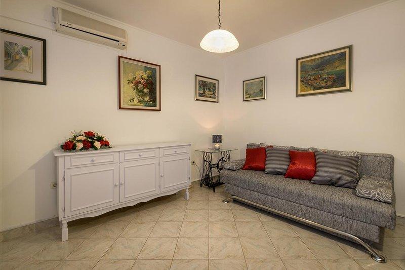 Three bedroom apartment Baška Voda, Makarska (A-12209-a), vacation rental in Baska Voda