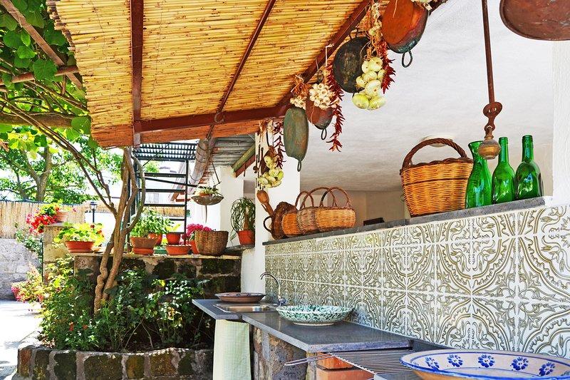 Casa Dolce Casa Bilocale, holiday rental in Sant'Agata sui Due Golfi
