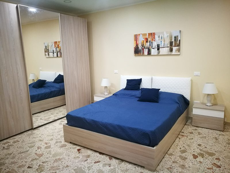 SI VIAGGIARE HOME - ZAFFIRO, holiday rental in Montelepre