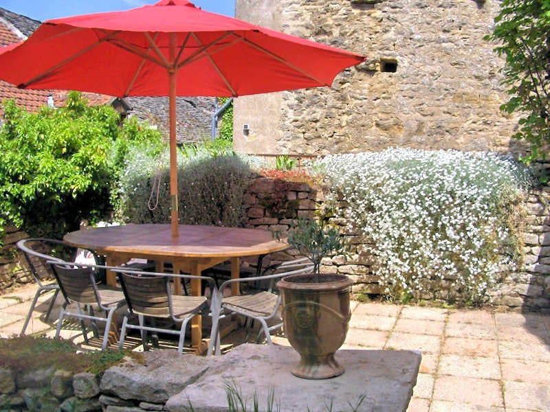 Spacious house with garden & Wifi, vacation rental in Chassagne-Montrachet