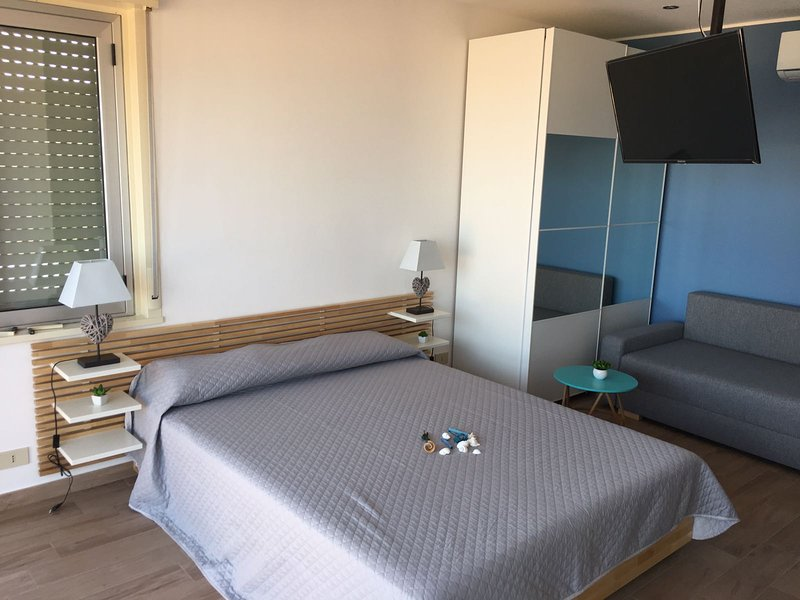 Blue Sky Apartments monolocale, holiday rental in Capo d'Orlando