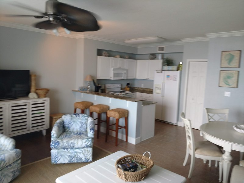 Gorgeous and well maintained unit with new furniture and freshly painted.