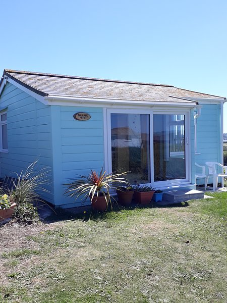 D19 Westhill. Two bedroom  traditional chalet in the sand dunes on Riviere Towans, Hayle