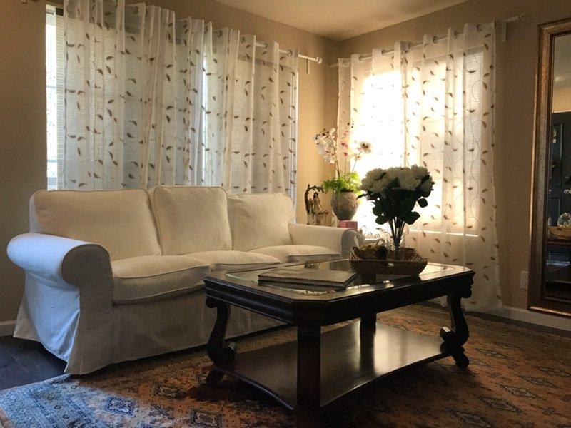Luxury, comfort & convenient near to Disneyland, holiday rental in Tustin