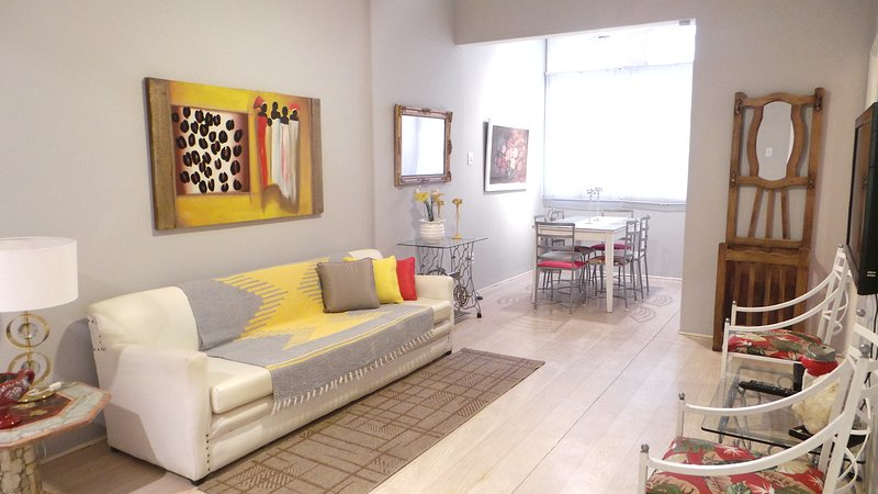 Nice 2 bedrooms apartment in Copacabana Beach, alquiler de vacaciones en Río de Janeiro