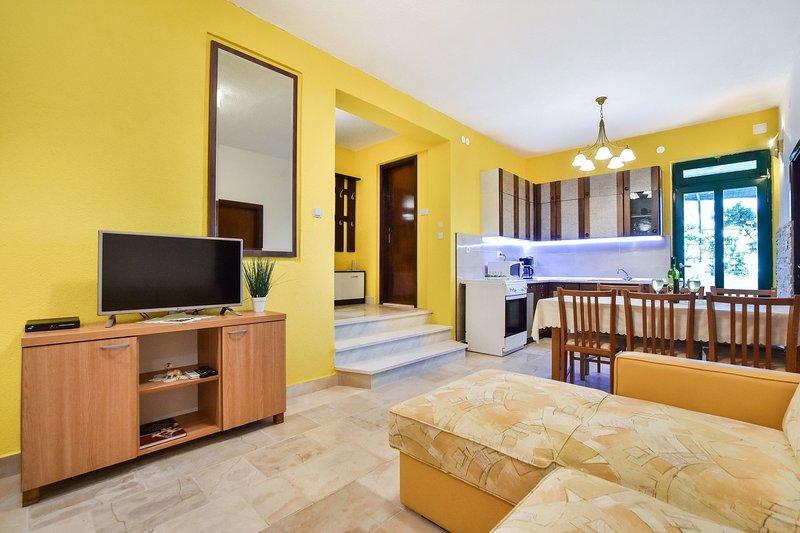Rogač(5+1): living room