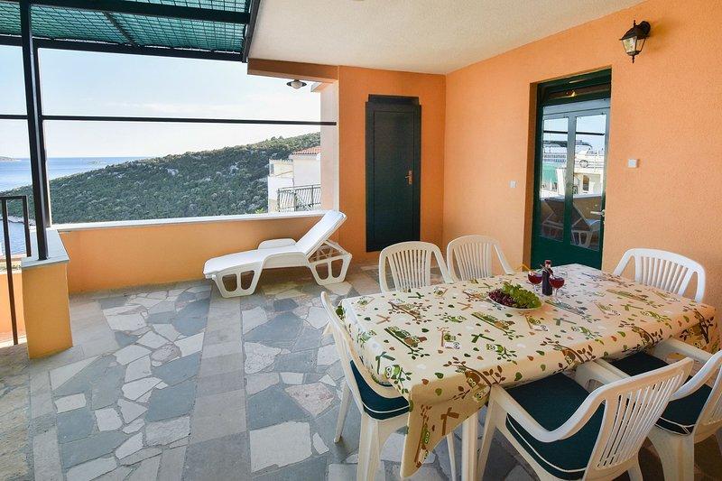 Rogač(5+1): terrace