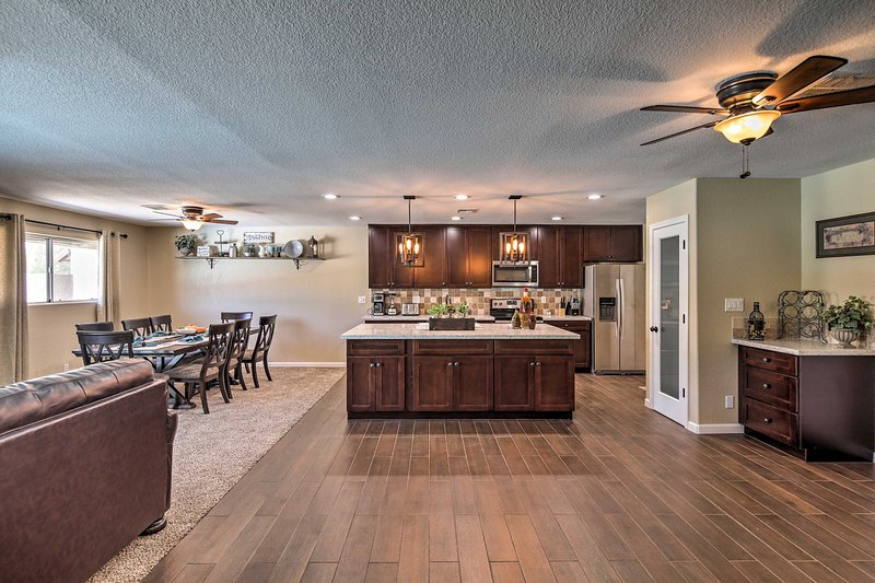 Live it up in Lake Havasu City at this modern vacation rental house.