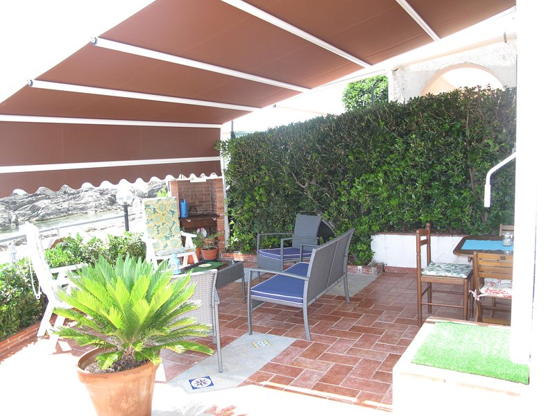 SIEPE always green for privacy in the shade of the Tent on the PANORAMIC TERRACE ON THE SEA