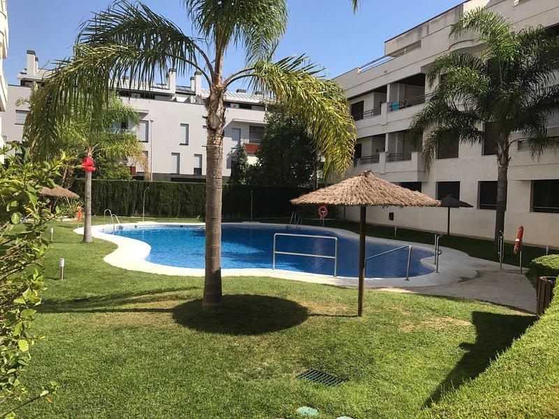 Apartamento en Rota, 2 dormitorios, piscina. – semesterbostad i Rota