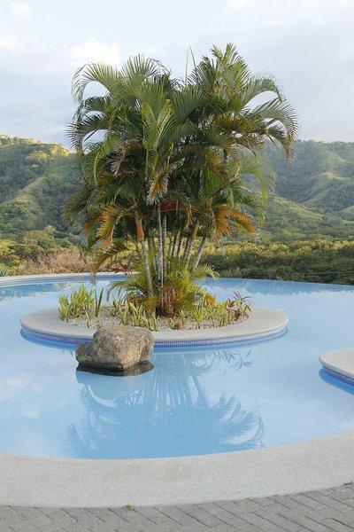 Pool isola