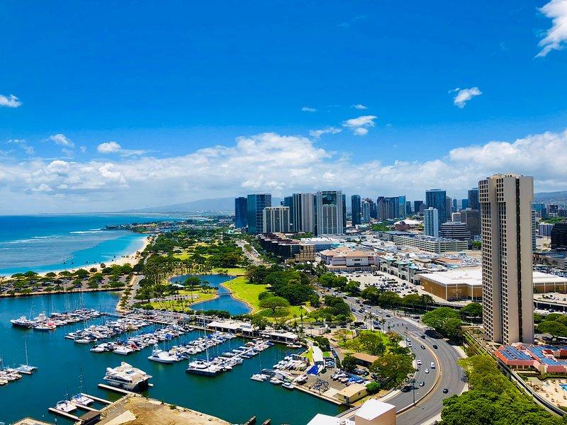 38th Floor Expansive Ocean Views In Honolulu Near Waikiki