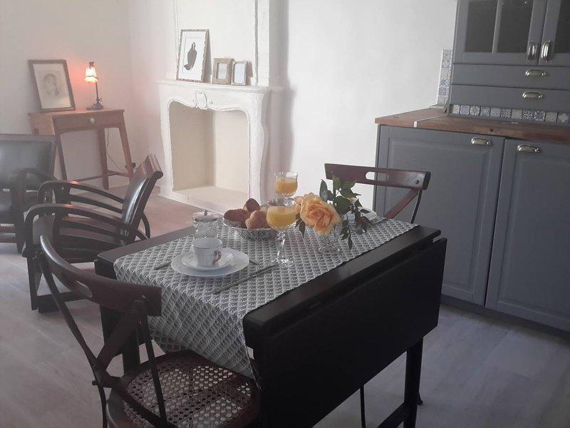 Nouveau à Bayeux : belle petite suite plein centre, casa vacanza a Bayeux