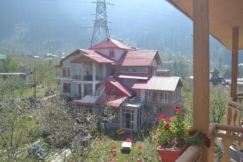 Bharhka Countryside Cottage Resorts, holiday rental in Karjan