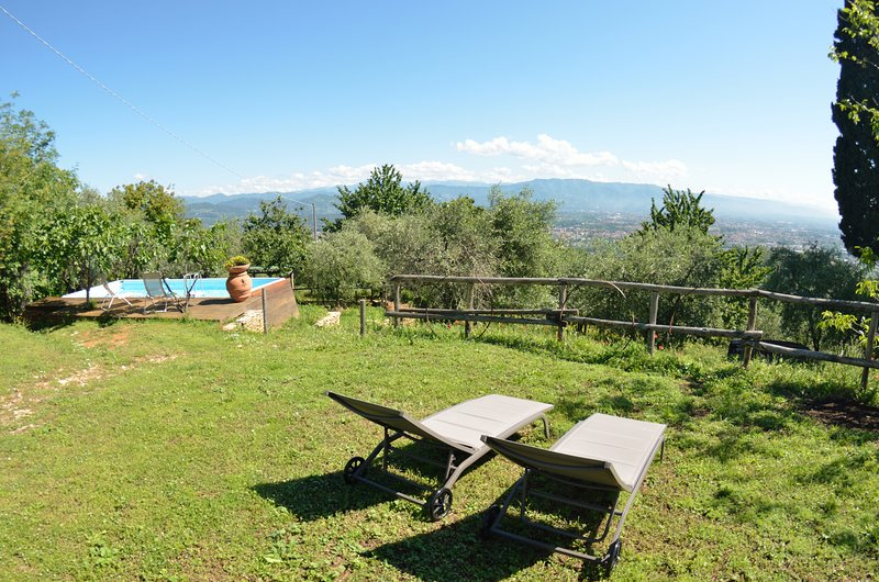 Vicopelago Villa Sleeps 7 with Pool and WiFi - 5882427, holiday rental in Pozzuolo