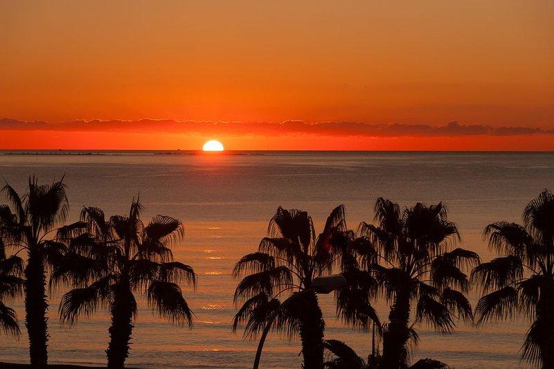 puesta de sol playa torremolinos