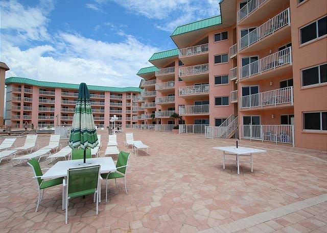 Beach Cottage Condominium 2105, vacation rental in Indian Shores