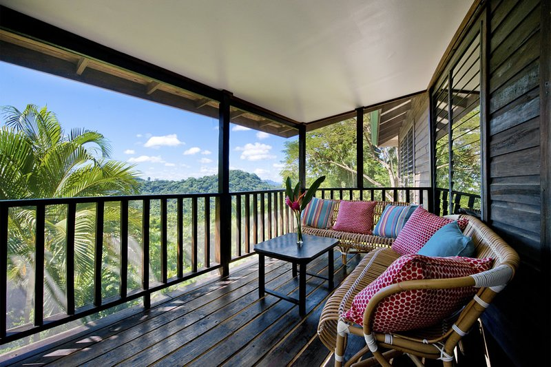 Copal Tree Lodge 3 Bedroom Family Villa, holiday rental in Gales Point