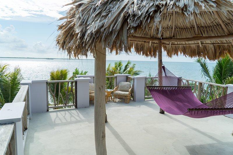 Premier Oceanfront Cabana – semesterbostad i Dangriga