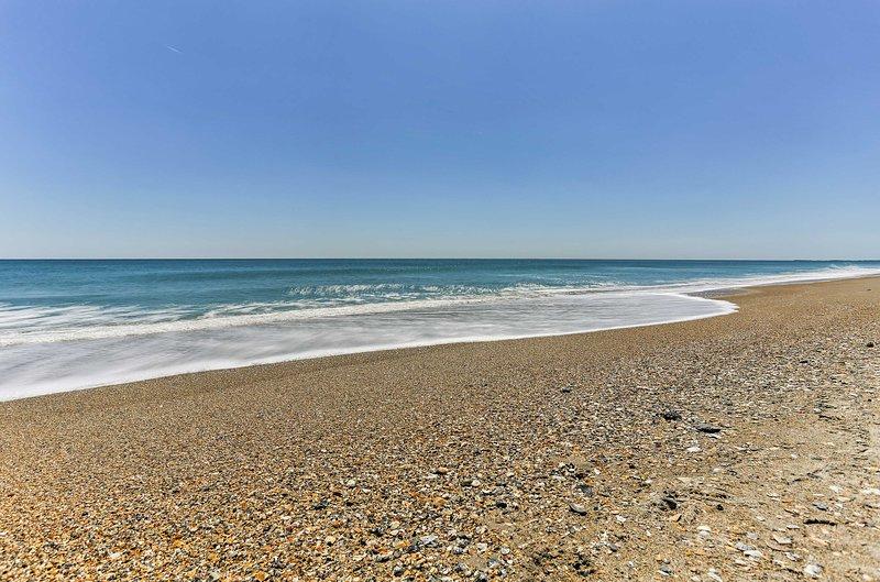 Ideales para el surf, la natación y tomar el sol, esta playa tiene todo.