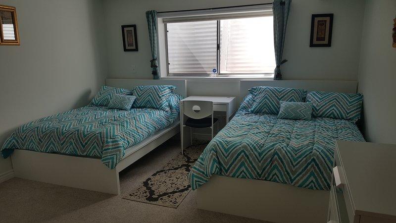 Lumière Fulls aérées de room.2 européens peuvent dormir 4.Pillow marque haut de matelas bureau new.New w / chaise.