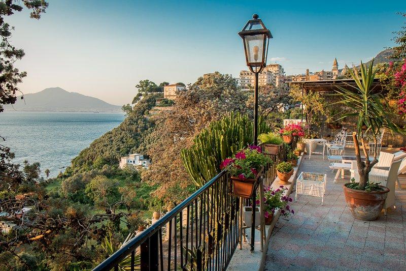 Villa Capri Top Tours, holiday rental in Vico Equense
