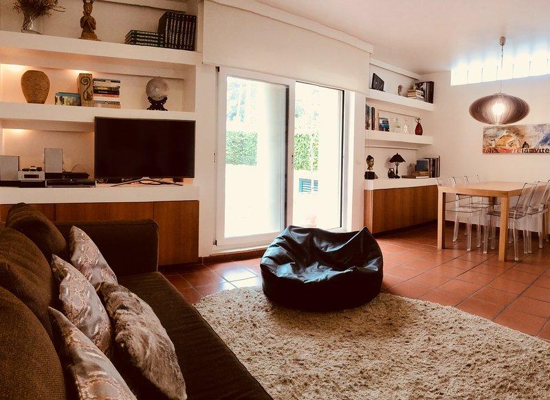 Family home 5 m away from Guincho Beach, aluguéis de temporada em Malveira da Serra