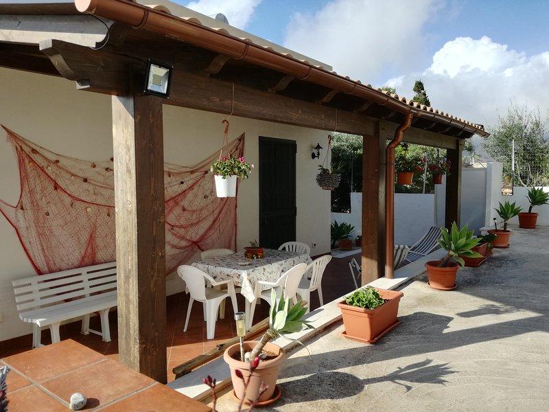 La Casa di Alessandra, holiday rental in Castelluzzo