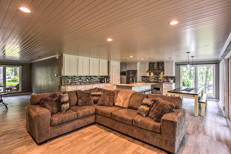 This home offers a sprawling interior and 2 boat lifts!