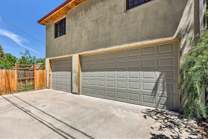 Parking | Garage (3 vehicles) | Driveway (3 vehicles)