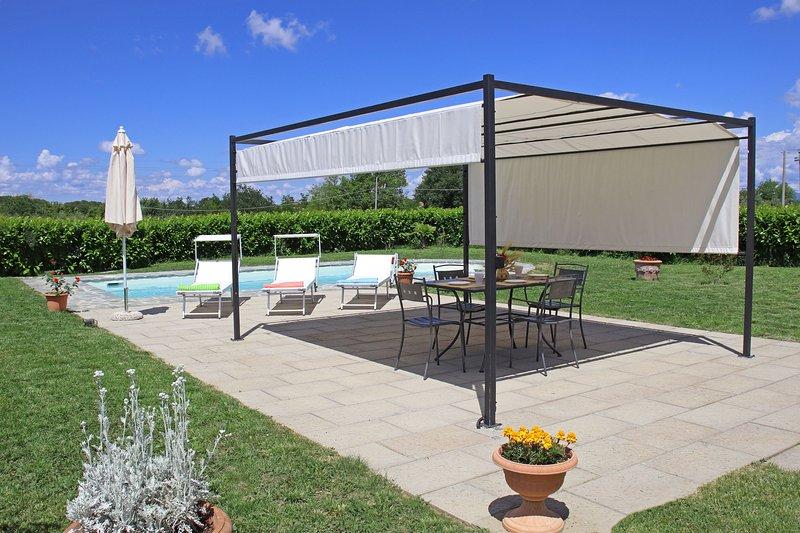 Barullo-Centoia Villa Sleeps 6 with Pool Air Con and WiFi - 5242099, casa vacanza a Petrignano