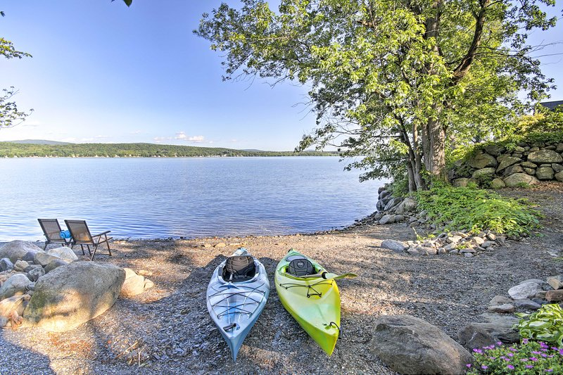 Situated directly on Lake Champlain, you'll enjoy endless lakeside bliss.
