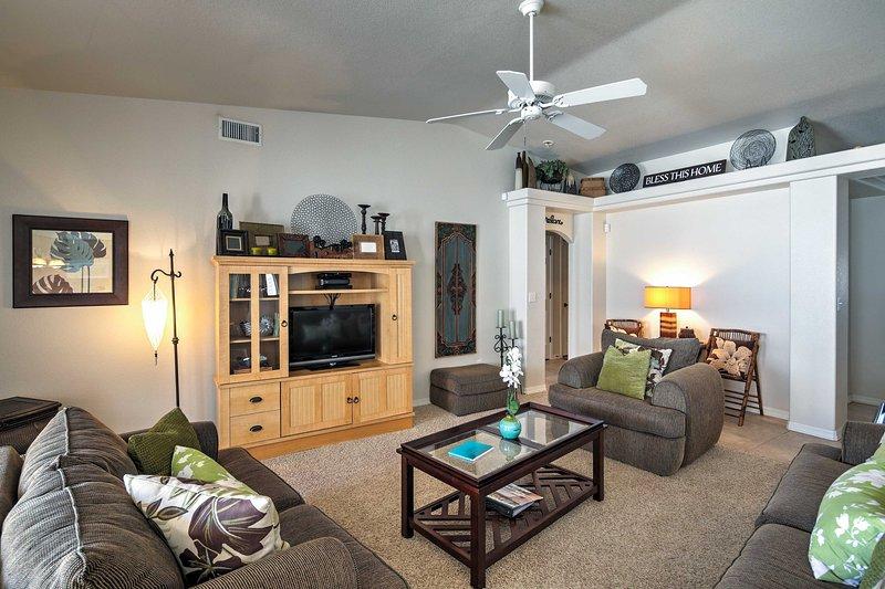 Cozy Family-Friendly Home: 7Mi to Lake Havasu City – semesterbostad i Parker Dam