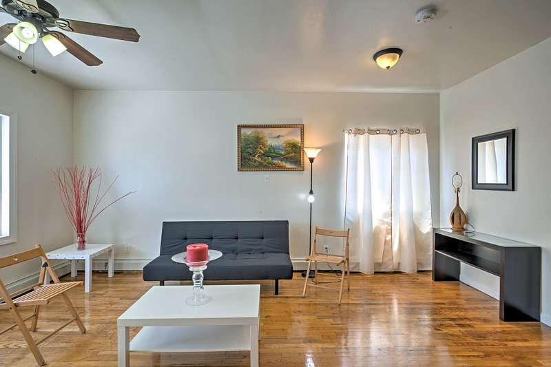 An urban lifestyle can be yours at this vacation rental apartment in Sunnyside!