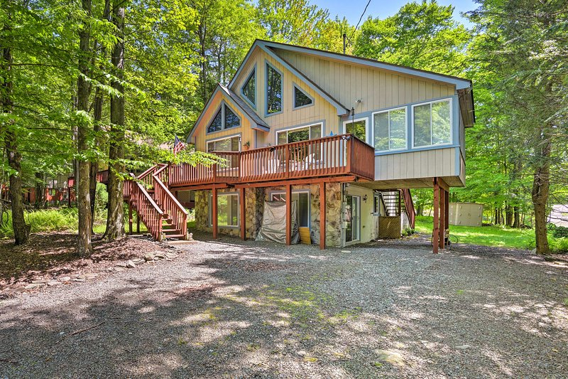 Cozy Lake Ariel Home in a Nature Resort Community!, location de vacances à Hamlin