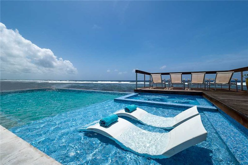 Present Moment, holiday rental in Bodden Town