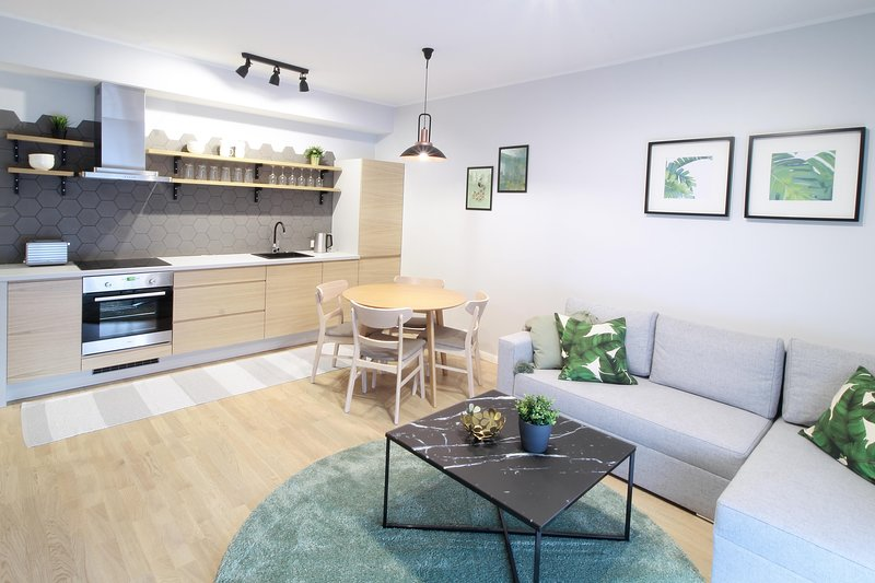 Chic 1 Bed Apartment in the Centre of Tallinn, holiday rental in Anija