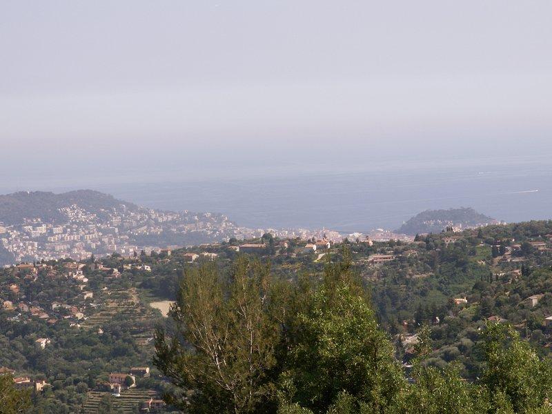 Appartement indépendant 2 pièces dans belle villa provencale avec grande piscine, vacation rental in Colomars
