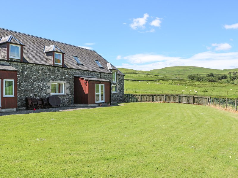 ETTRICK VIEW, pet friendly, Selkirk, vacation rental in Eskdalemuir